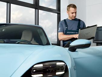 Die historischen Sportwagen aus dem Hause Porsche stehen den jüngeren Familienmitgliedern in nichts nach. Damit das auch